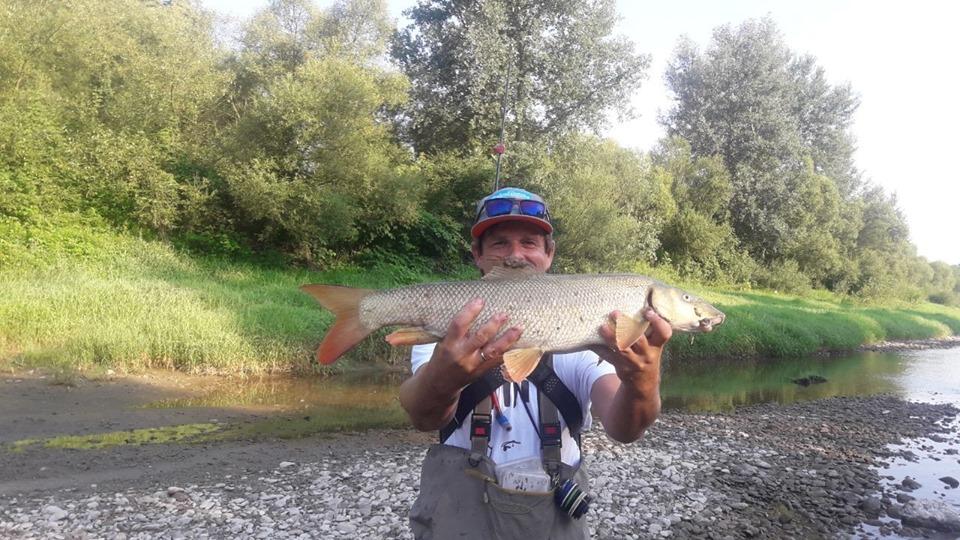 Grzegorz z największą rybą zawodów